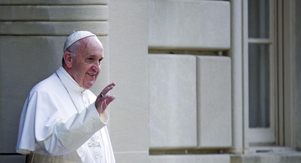 Papa Francisco saindo da nunciatura apostólica rumo ao Congresso, Washington (foto de arquivo)