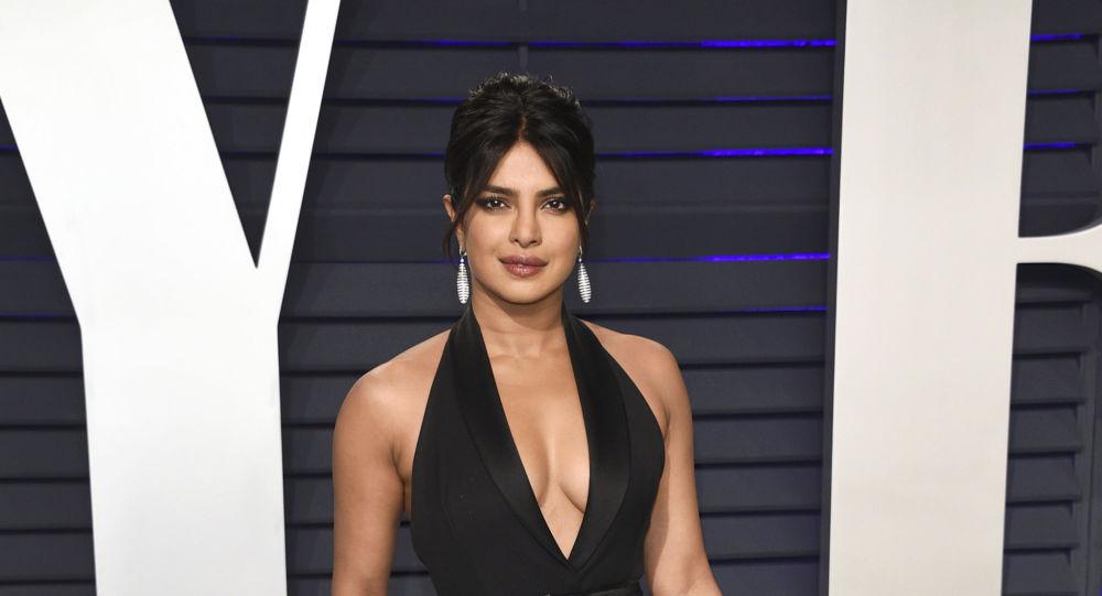 Modelo Priyanka Chopra