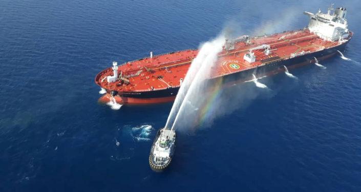 Petroleiro atacado no golfo de Omã