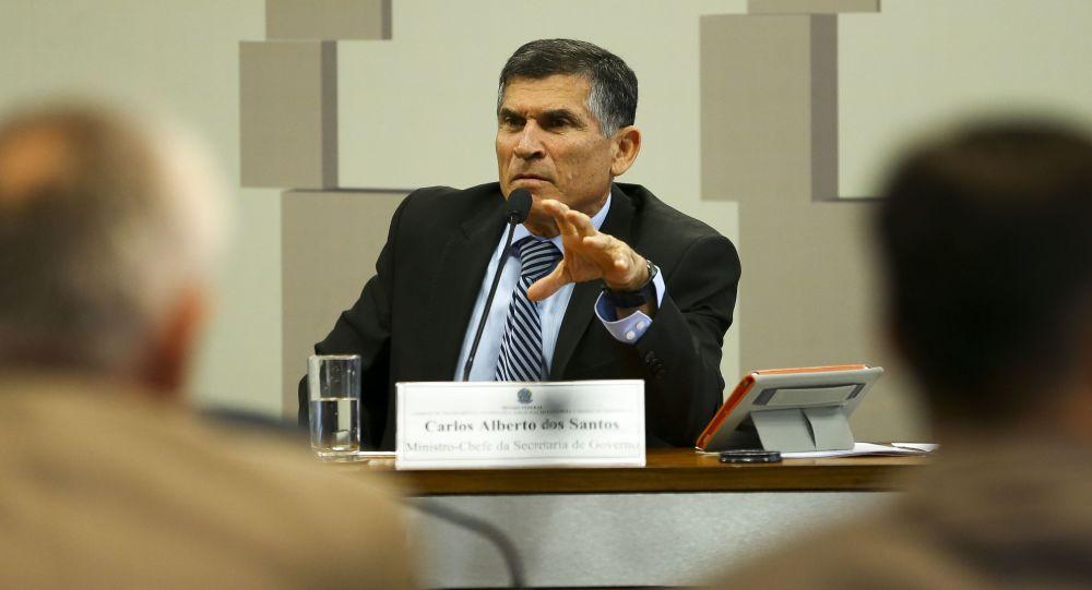 O agora ex-ministro da Secretaria de Governo da Presidência da República, Santos Cruz, durante reunião na Comissão de Transparência, Governança, Fiscalização e Controle e Defesa do Consumidor no Senado.