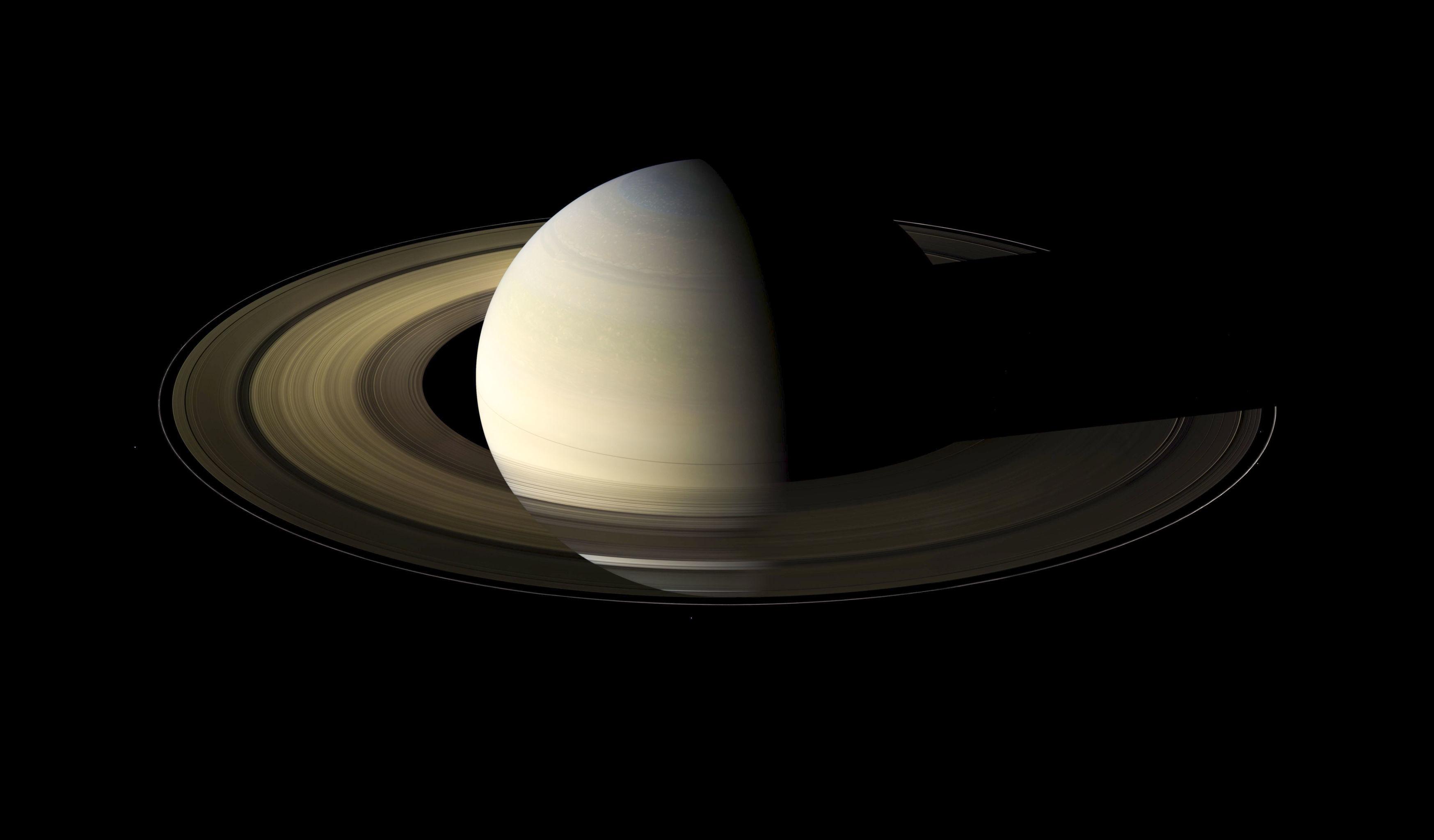 Saturno capturado pela sonda Cassini