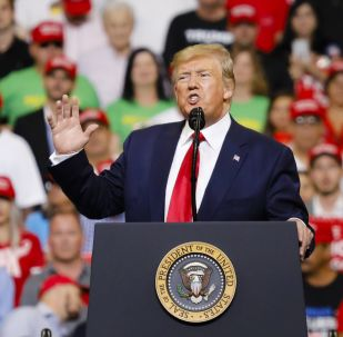 Presidente dos EUA, Donald Trump, durante um encontro com eleitores, 18 de junho de 2019