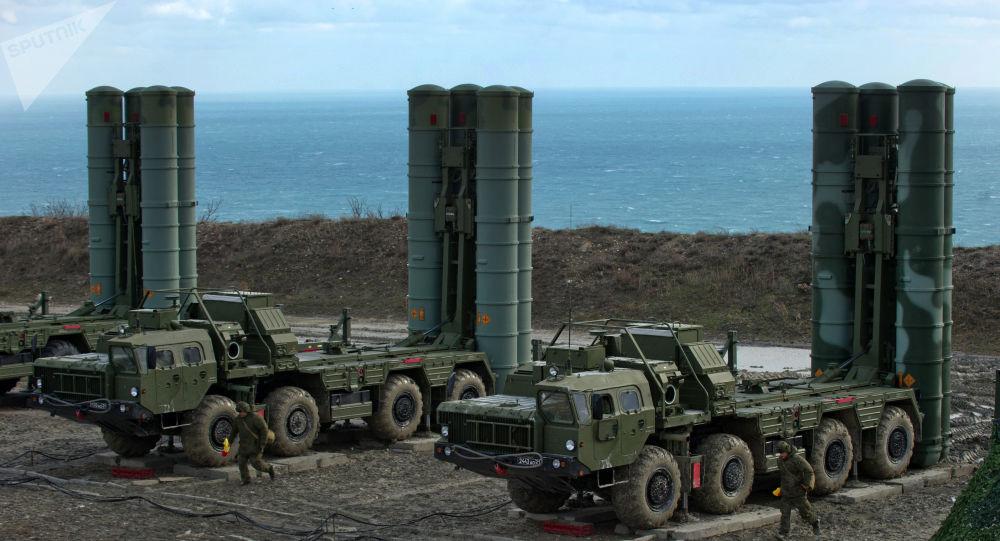 Sistemas de defesa antimísseis S-400 da Rússia (foto do arquivo)
