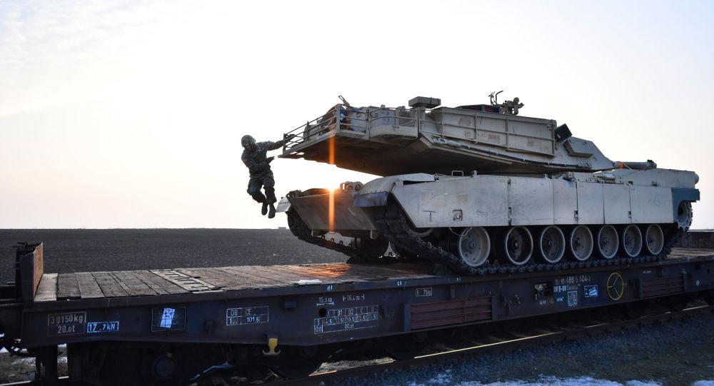 Equipamento militar dos EUA na Romênia