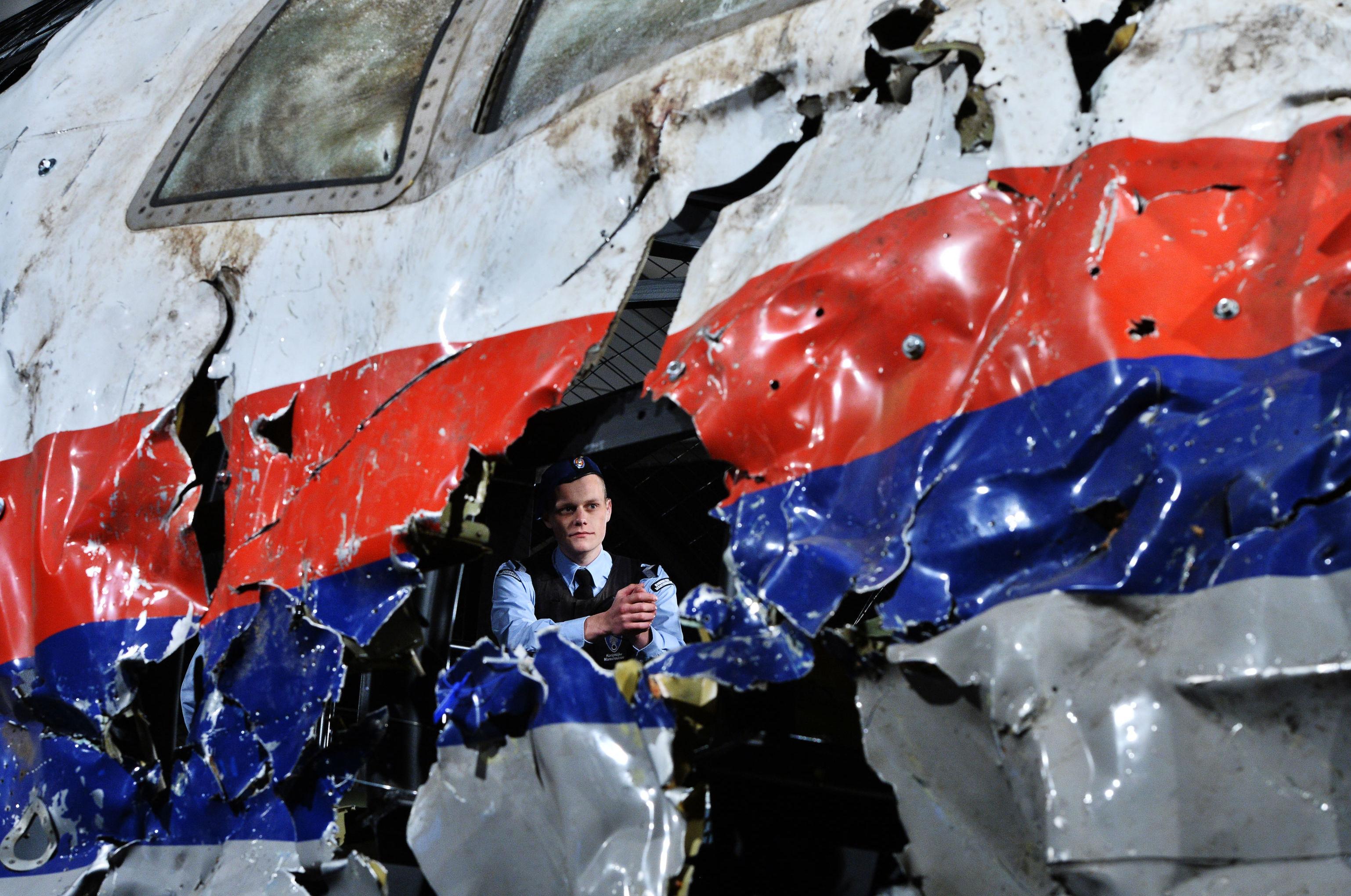 Foto tirada durante reconstrução na Holanda do voo MH17