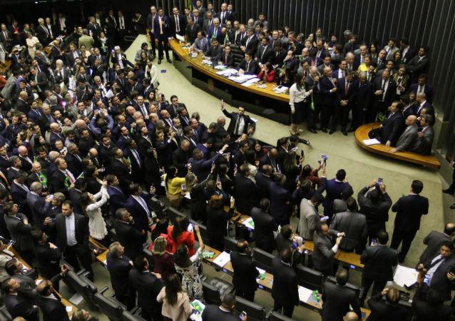 Plenário da Câmara dos Deputados durante votação em primeiro turno da reforma da Previdência, em 10 de julho de 2019