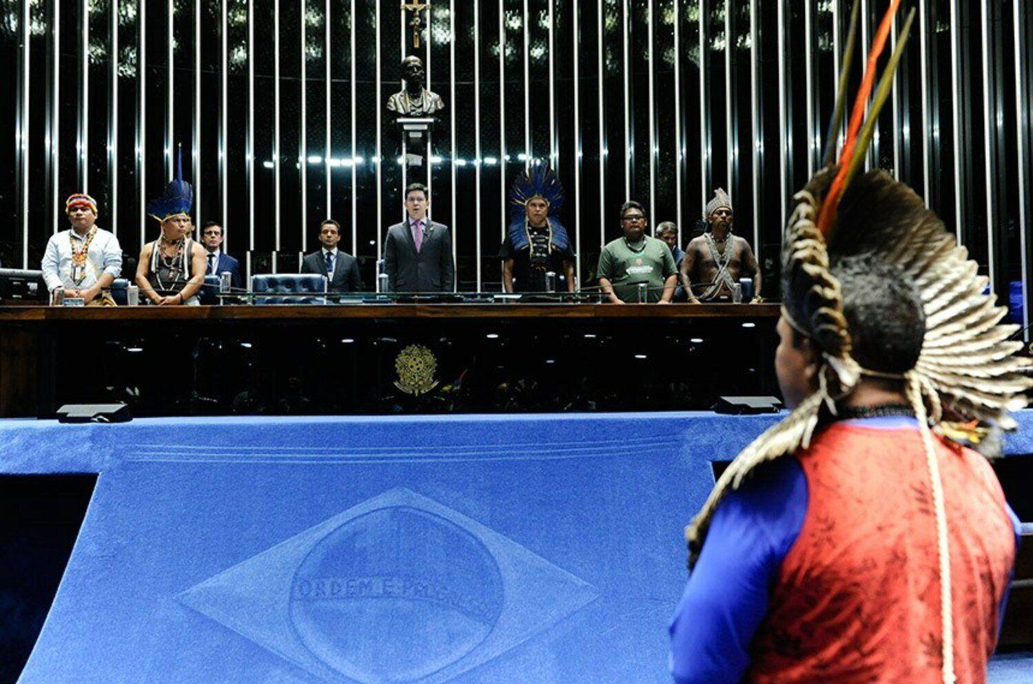 Sessão em homenagem aos povos indígenas no Senado