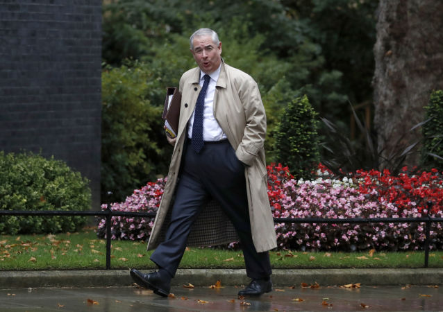 Geoffrey Cox, procurador-geral do Reino Unido, chega a Downing Street, em Londres, quarta-feira, 4 de setembro de 2019.