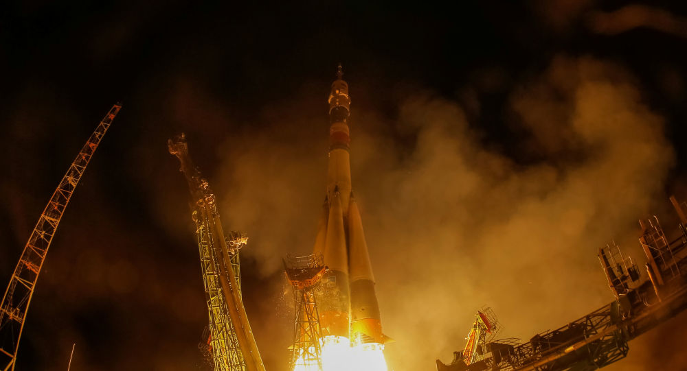 Nave espacial Soyuz MS-15 lançada para a Estação Espacial Internacional (EEI) da plataforma de lançamento do cosmódromo de Baikonur, no Cazaquistão, em 25 de setembro de 2019