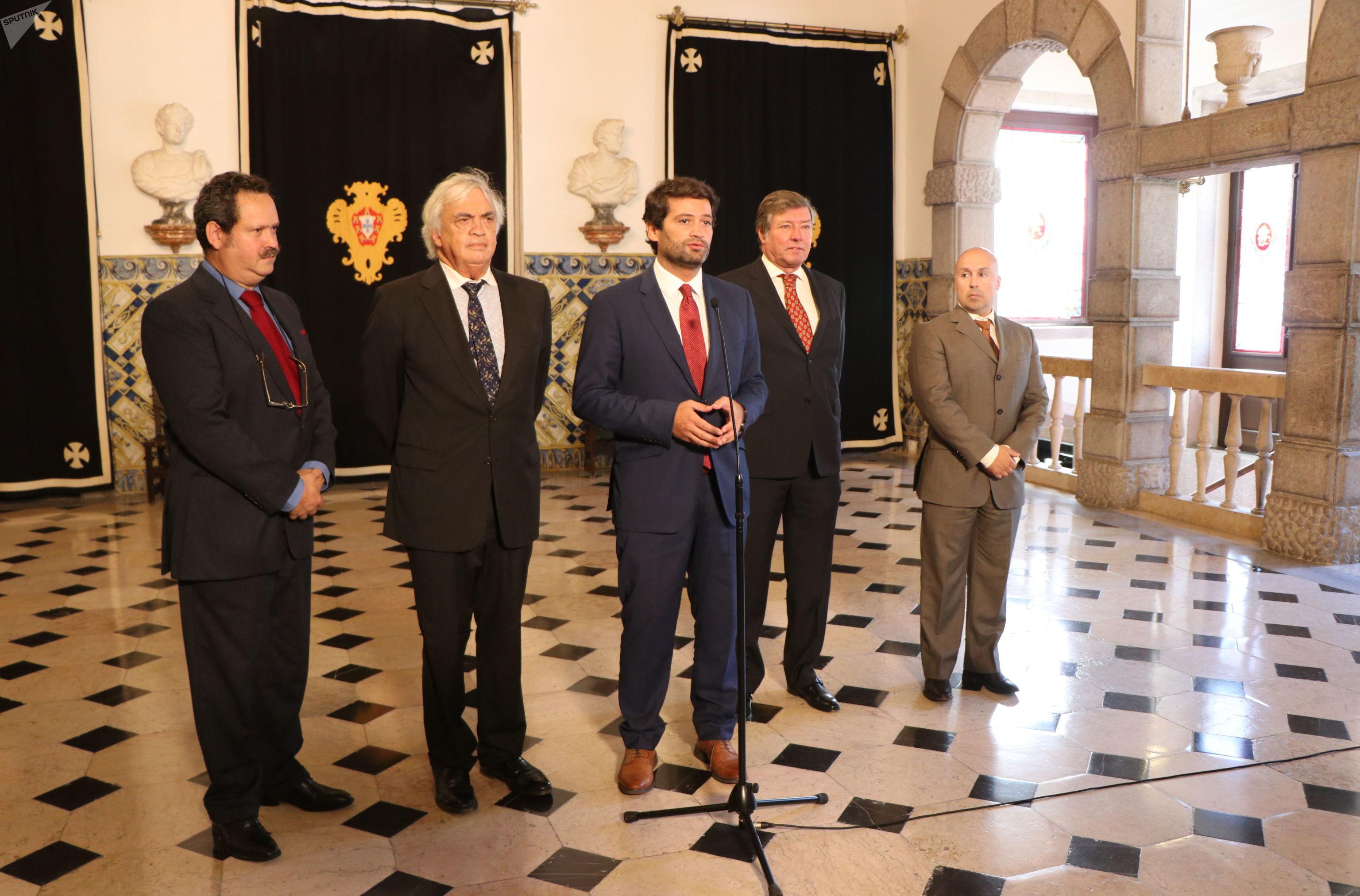 André Ventura, do partido Chega, se pronunciando após as eleições parlamentares