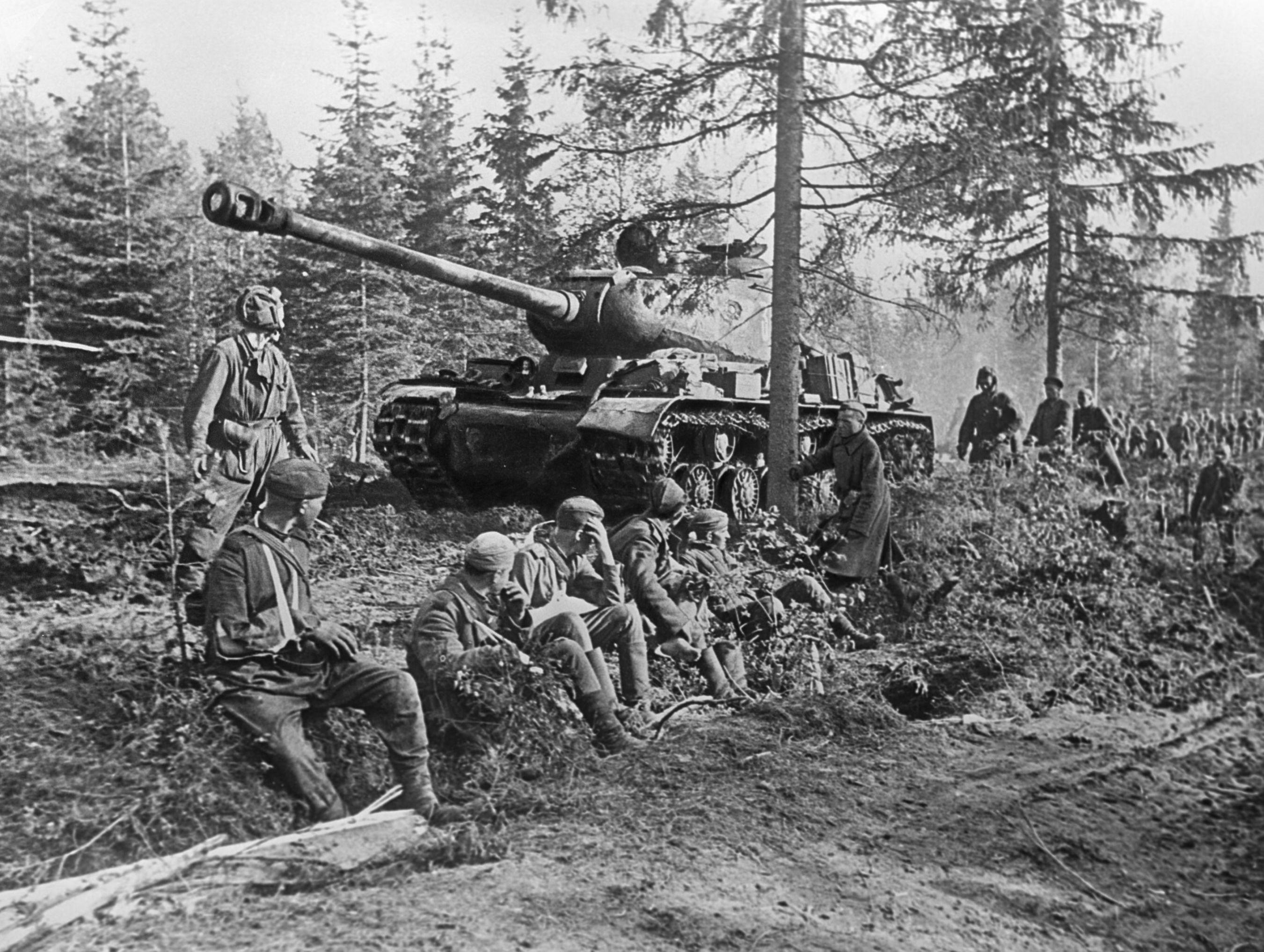 Tanque IS-2, em 9 de junho de 1944 (foto de arquivo)