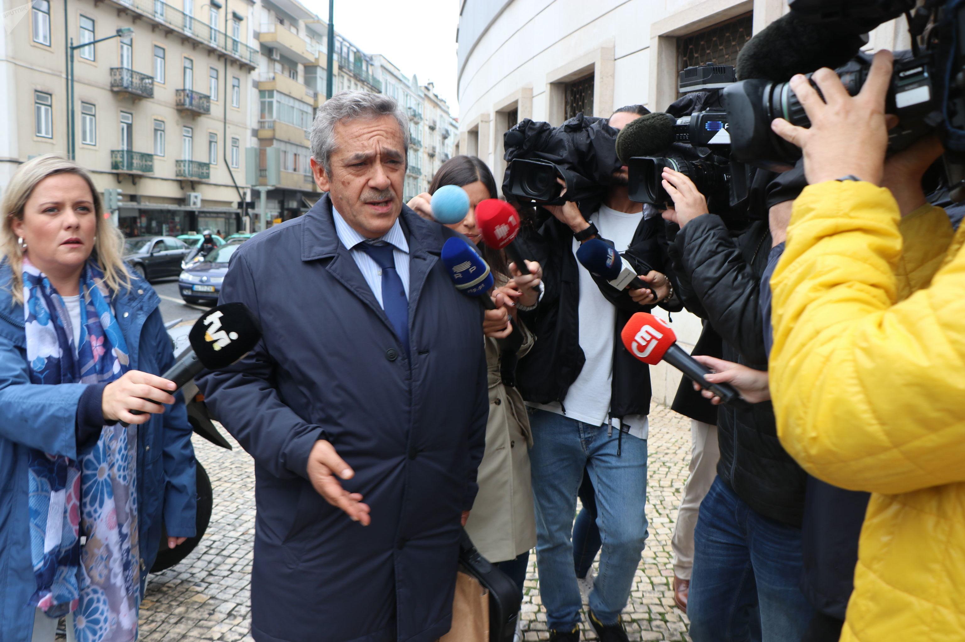 Procurador Rosário Teixeira chegando ao tribunal
