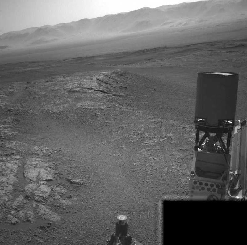 Imagem da superfície do solo marciano captada pelo rover Curiosity
