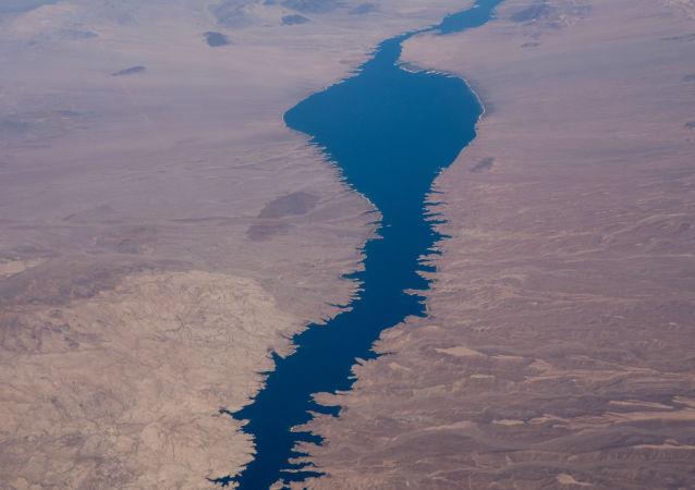Vista aérea do lago Mojave in the river Colorado, fronteira com Nevada e Arizona, sul de Las Vegas em Outubro 23, 2019