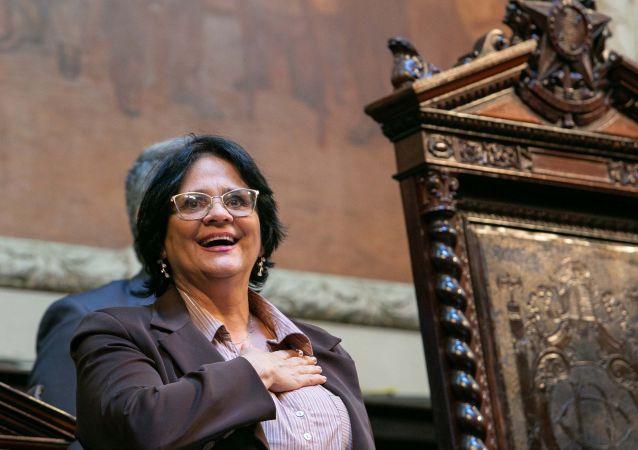 A ministra da Mulher, Família e Direitos Humanos, Damares Alves recebe a Medalha Tiradentes, maior honraria concedida pela Assembleia Legislativa do Estado do Rio de Janeiro (ALERJ), no Rio de Janeiro (RJ),