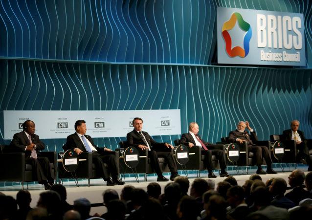 Líderes do BRICS se reúnem com empresários em Brasília