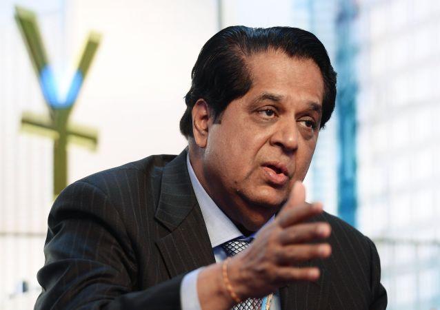 Kundapur Vaman Kamath, presidente do Banco dos BRICS, durante um debate televisionado pelo canal RT