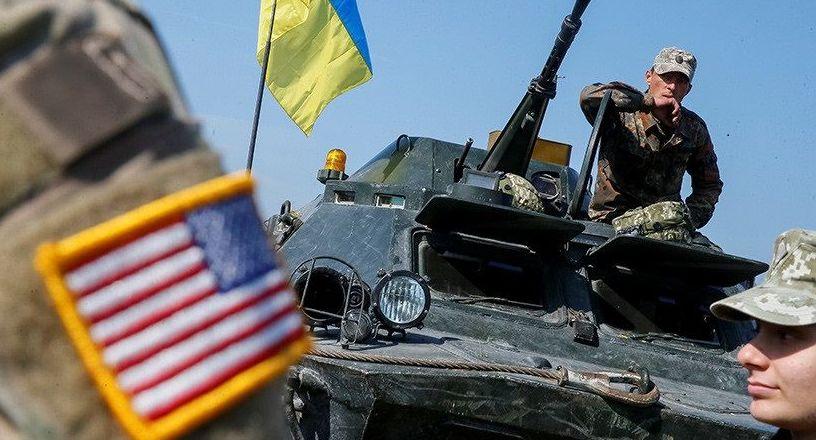 Soldados ucranianos e norte-americanos durante exercícios militares conjuntos (foto de arquivo)