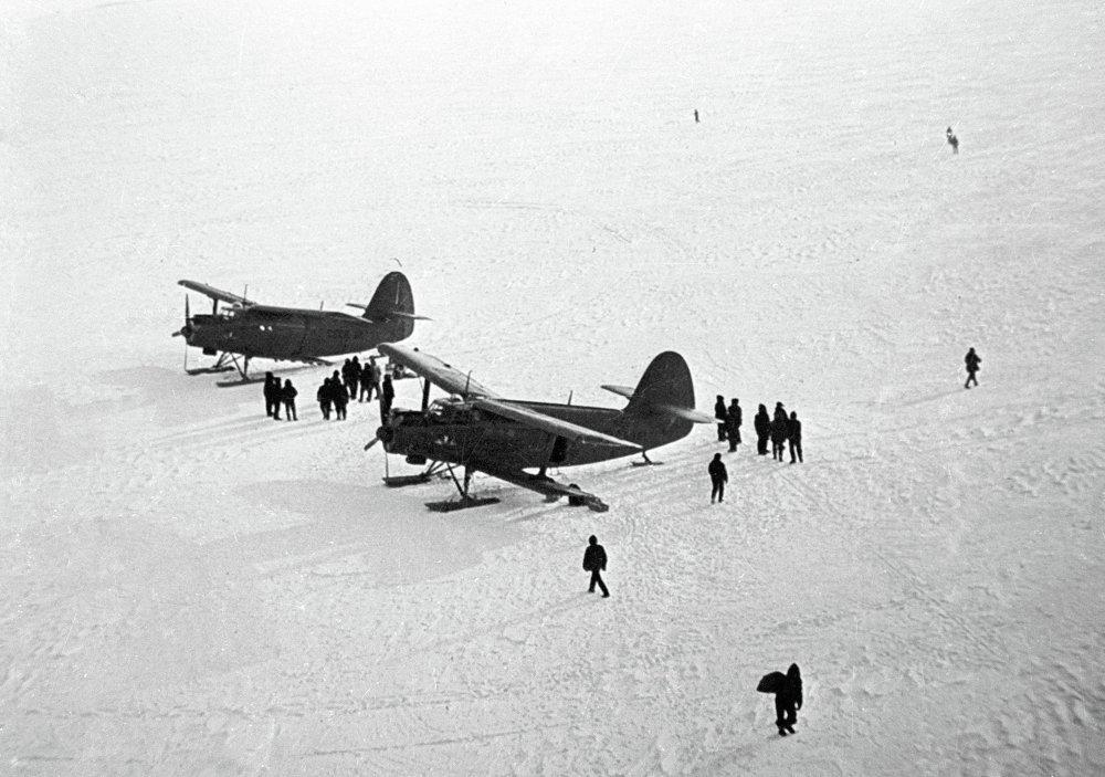 Primeiras aeronaves soviéticas na Antártida
