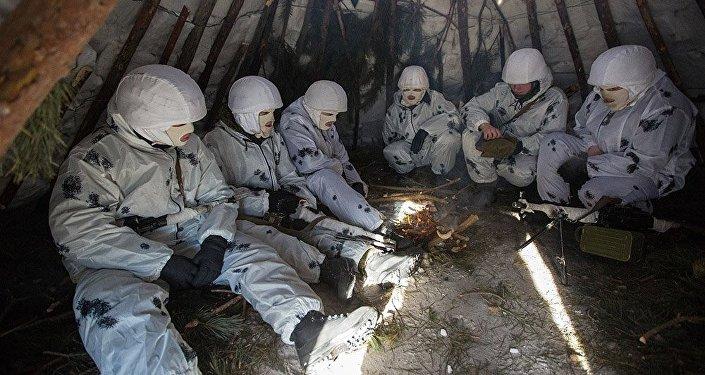Soldados russos no Ártico