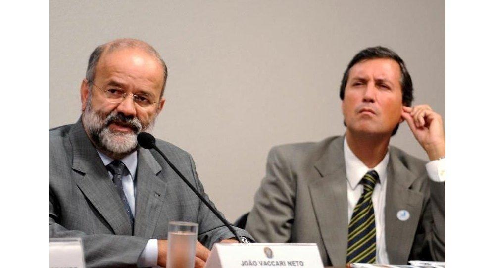 João Vaccari Neto (à esquerda)