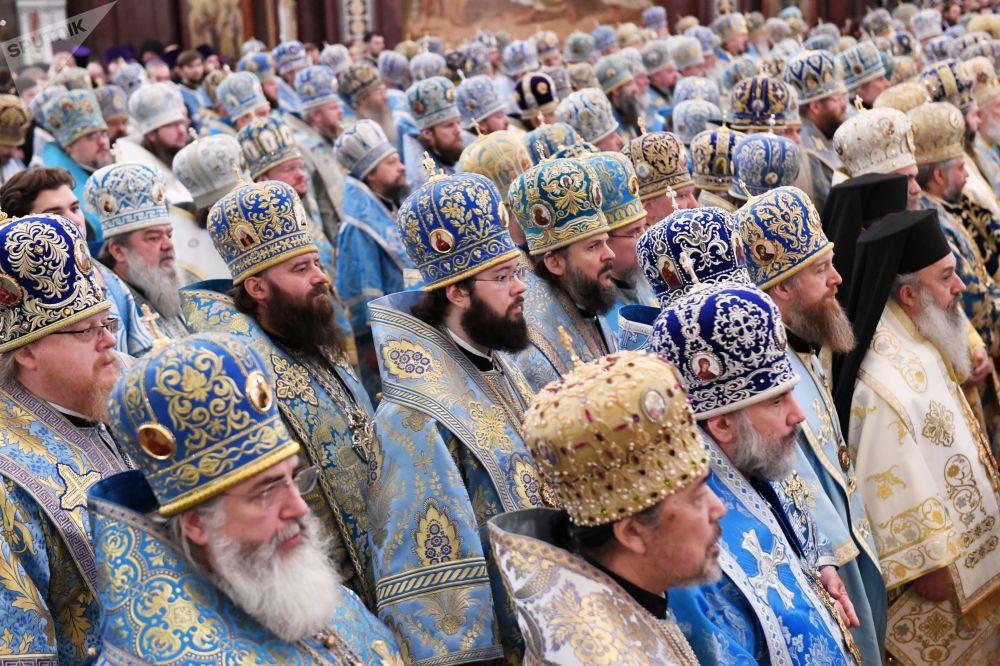 Liturgia na Catedral de Cristo Salvador em Moscou