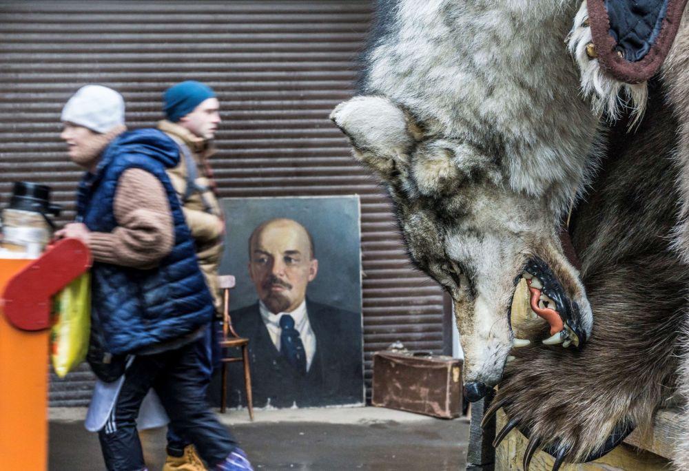 Mercado com lembranças russas Izmailovsky, Moscou