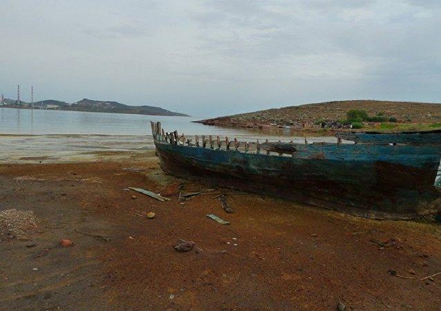 Embarcação de madeira (imagem referencial)