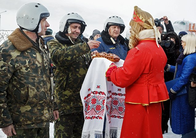 Encontro entre militares russos após regresso da Síria