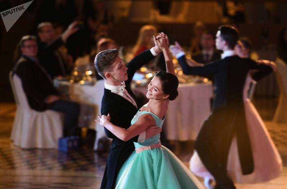 Baile dedicado ao 60º aniversário da dança esportiva na Rússia
