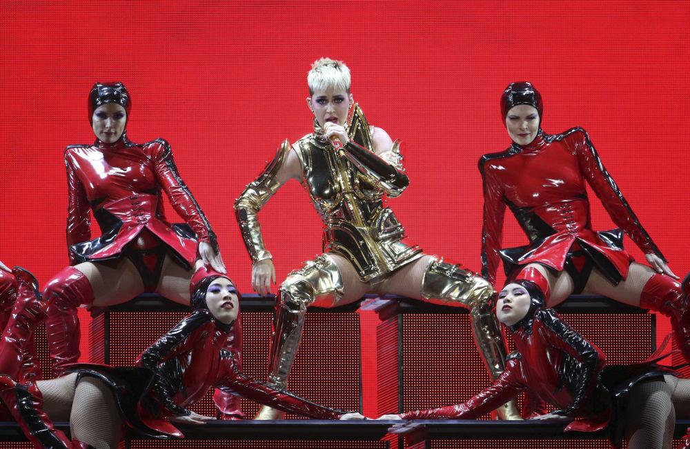 Cantora norte-americana Katy Perry durante show em Atlanta, EUA