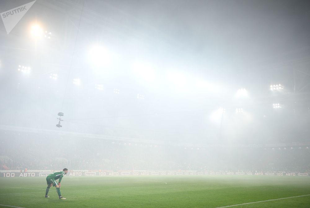 Goleiro do FC Spartak Aleksandr Selikhov durante a parada no jogo com o FC CSKA