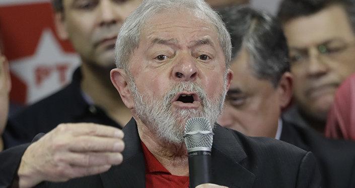 Lula da Silva é visto durante uma reunião do PT em 13 de julho de 2017 em São Paulo