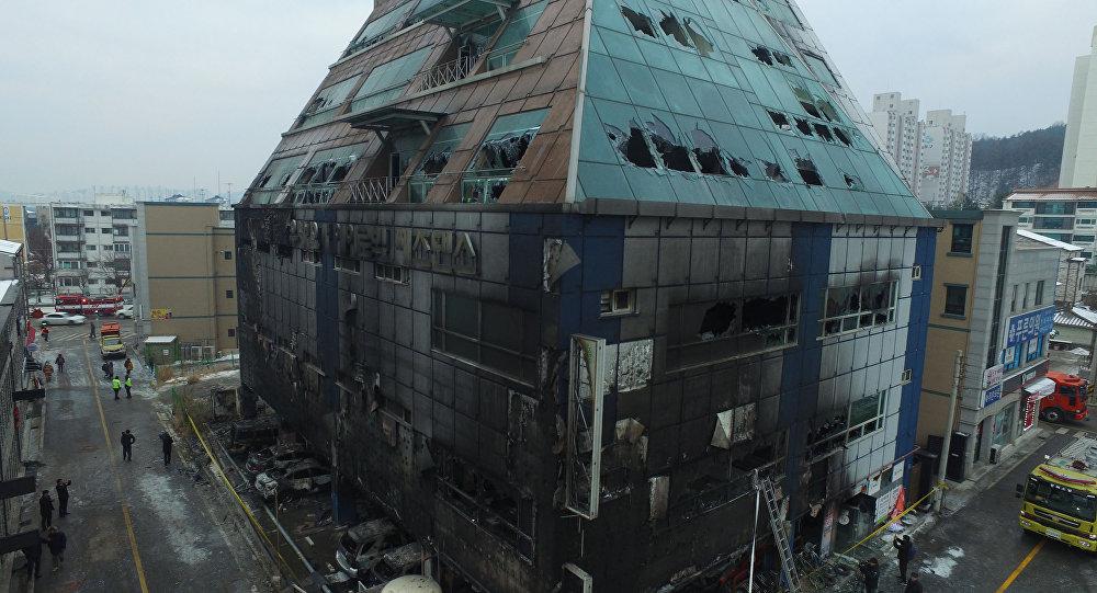 Incêndio em prédio deixa quase 30 mortos na Coreia do Sul