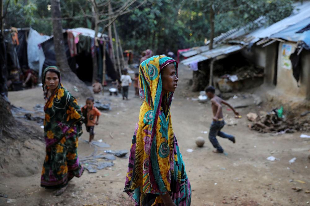 Refugiados rohingya no campo Kutupalong Hindu, no Bangladesh, em 17 de dezembro de 2017