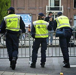 Polícia holandesa.