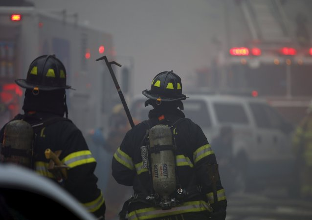 Corpo de Bombeiros da Cidade de Nova York durante incêndio