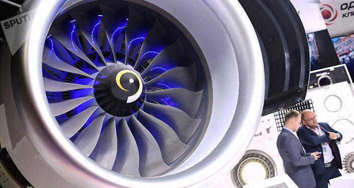 Motor PD-14 apresentado no salão aeroespacial MAKS-2017