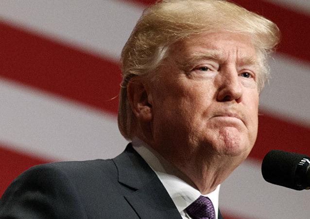 Donald Trump discursando sobre a Estratégia da Segurança Nacional na segunda-feira, 18 de dezembro