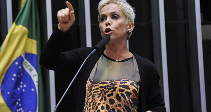 Cristiane Brasil durante a votação do impeachment de Dilma Roussef.