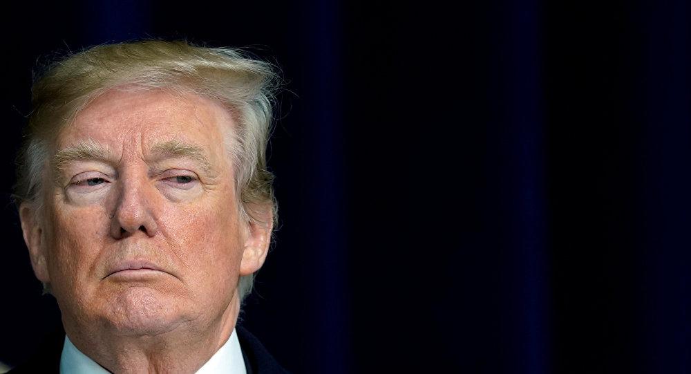 Presidente norte-americano, Donald Trump, durante a entrevista com jornalistas em Camp David, 6 de janeiro de 2018