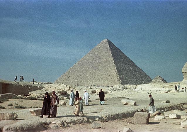 Grande pirâmide de Gizé