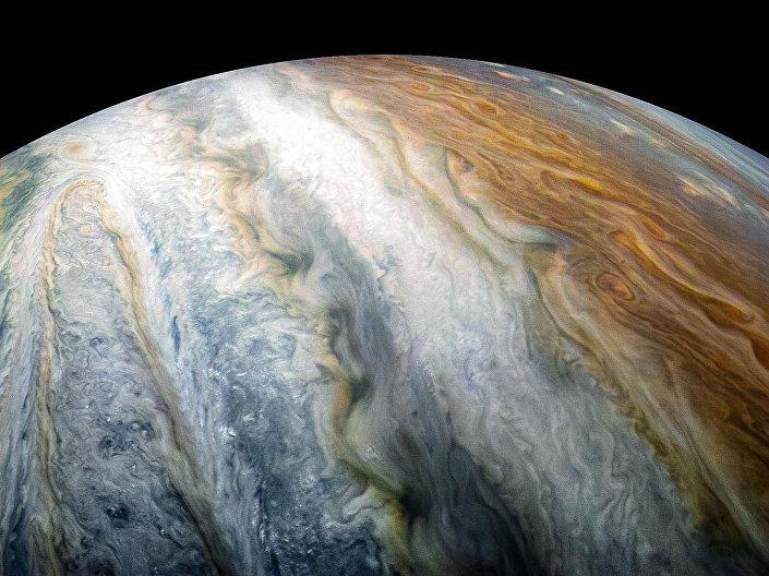 Nuvens de Júpiter tiradas pela sonda espacial Juno
