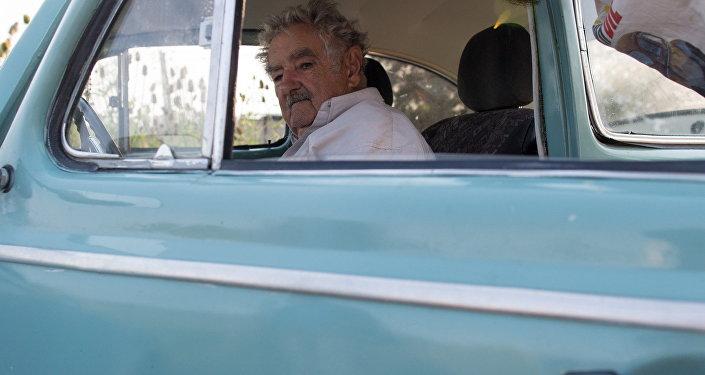 Em Montevidéu, com o passageiro ilustre e ex-presidente do Uruguai Pepe Mujica.