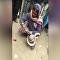 Indiano morre após tentar costurar boca de cobra venenosa
