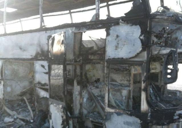 Ônibus queimado no Cazaquistão
