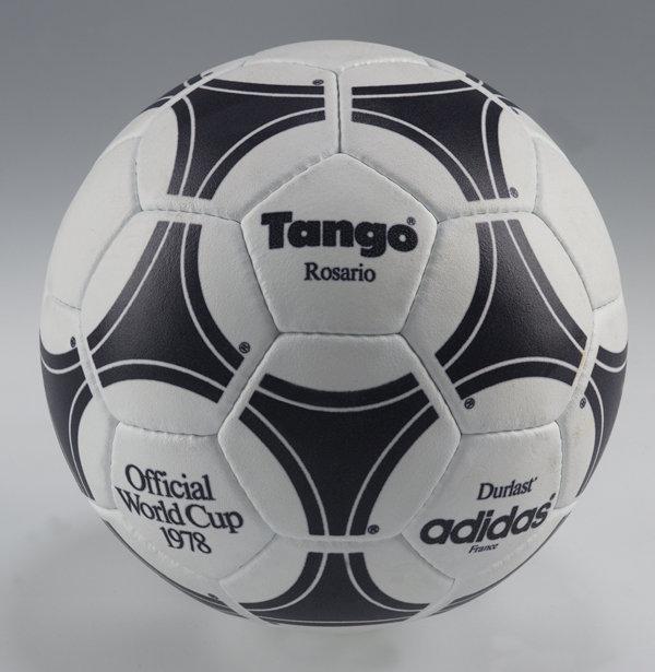 Tango, a bola utilizada na copa do mundo da Argentina, em 1978.