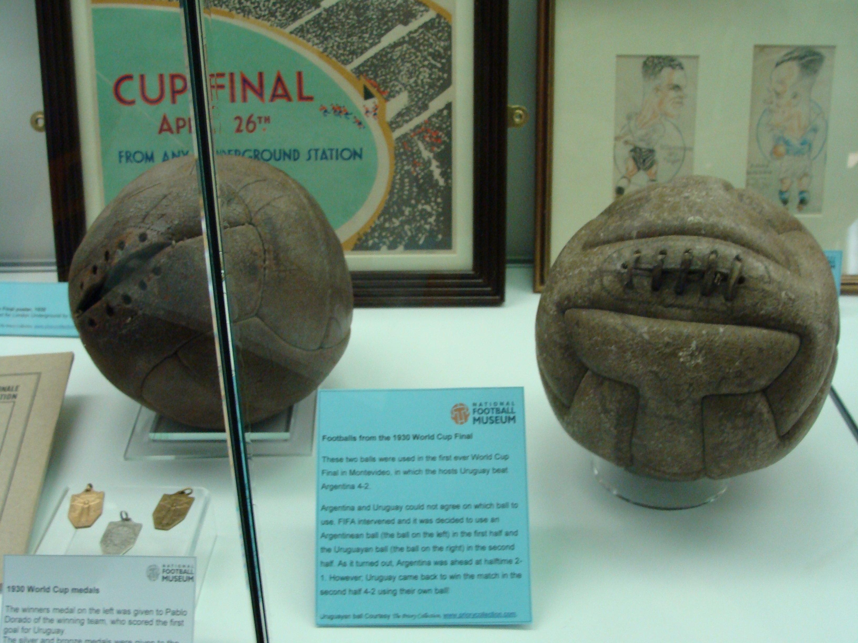 Bola da Copa do Mundo do Uruguai, de 1930.