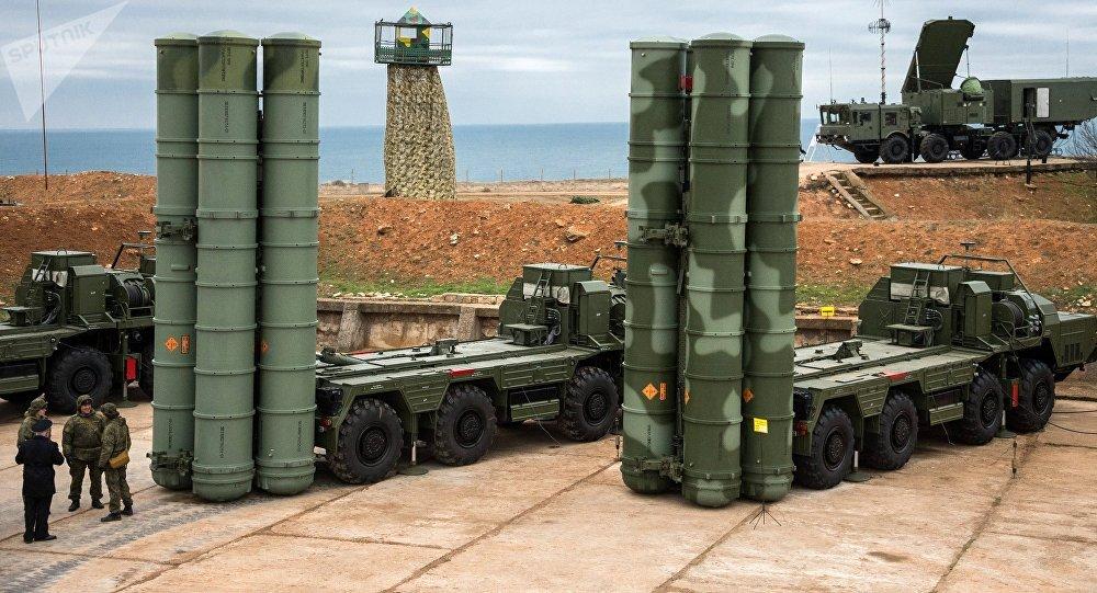 Sistemas de defesa antiaérea S-4000 Triumph na Crimeia