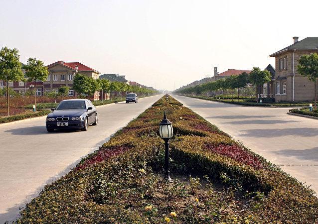 Rua quase deserta em uma vila da província chinesa de Jiangsu (arquivo)